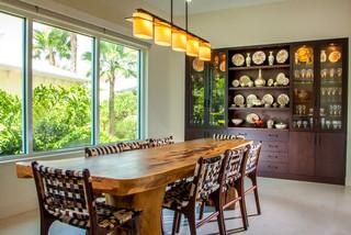 Sarasota zen house tampa von wicked smart homes for Lutz barhocker