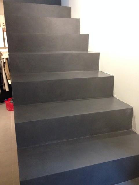 Recouvrir Escalier Beton Brut Avec Un Mortier De Surfacage Beton Cire Contemporain Paris Par O Beton Cire