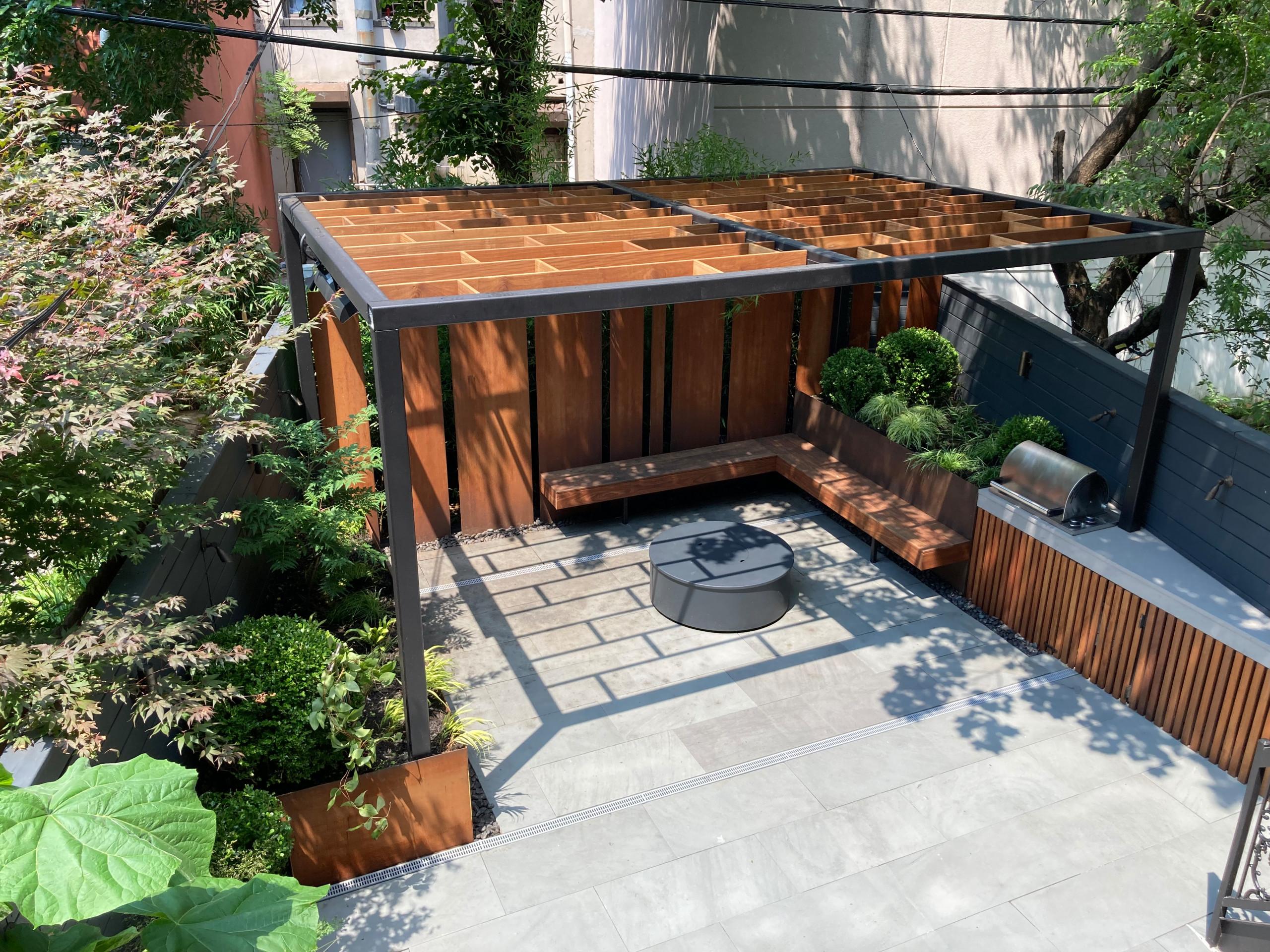 Brooklyn Angled Garden