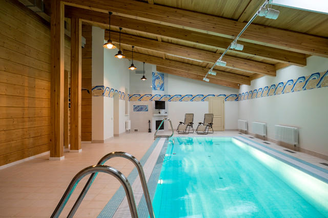 House with a swimming pool in Ivrea
