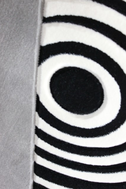 5'x8' Geometric Gray and Black and White Living Room Area Rug, Machine Made