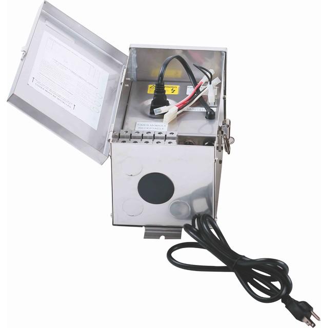 Low Voltage Landscape Transformer 300w 120v Stainless Steel Traditional Lighting Hardware By Lighting Jungle