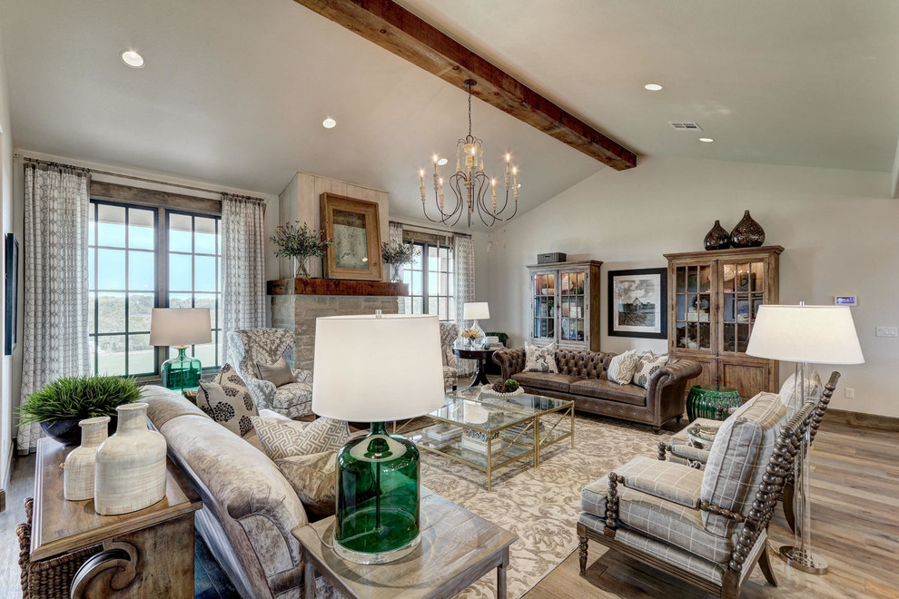 Cottage home design photo in Oklahoma City