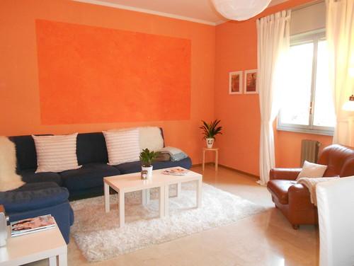 help! ugly orange living room - keep color or change?