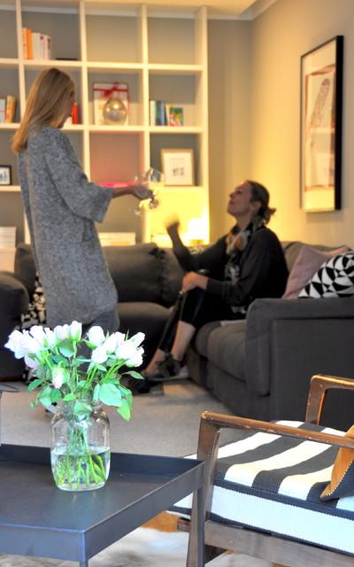 alt trifft neu wo alte mauern erz hlen und moderne m bel miteinander sprechen mid century. Black Bedroom Furniture Sets. Home Design Ideas