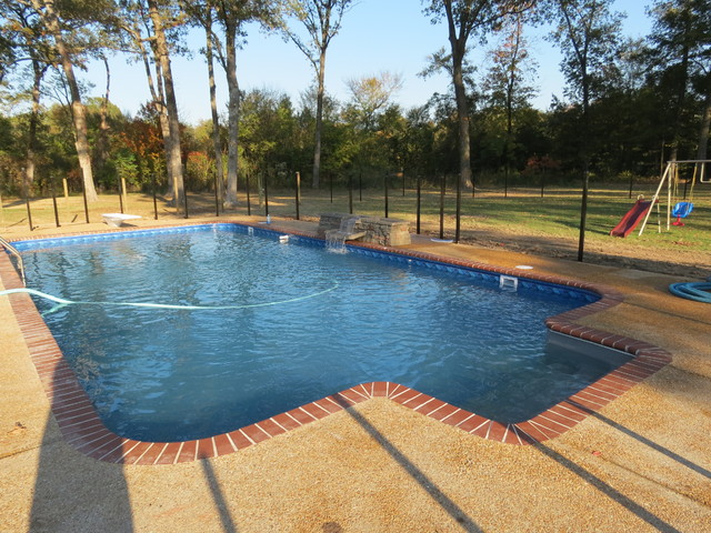 Paradise pools and spas burns swimming pool madison ms for Pool design jackson ms