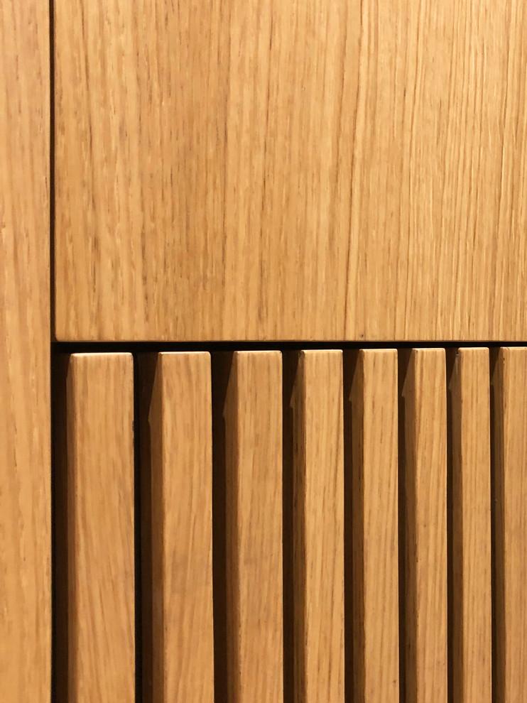 Mueble dormitorio suite. Detalle de cubre-radiador.