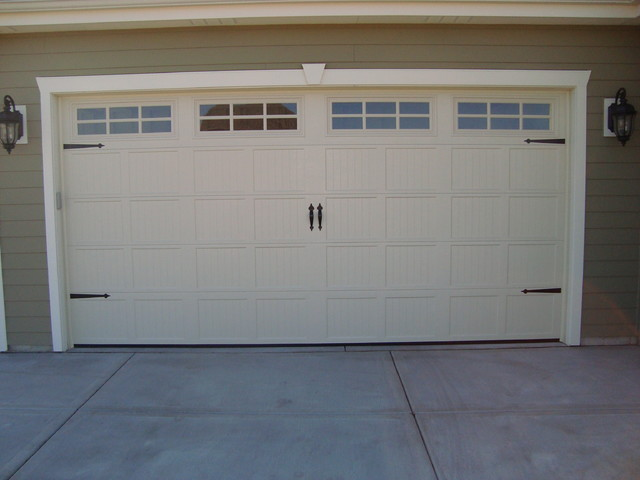 Carriage house style garage doors craftsman milwaukee for Carriage style garage doors for sale