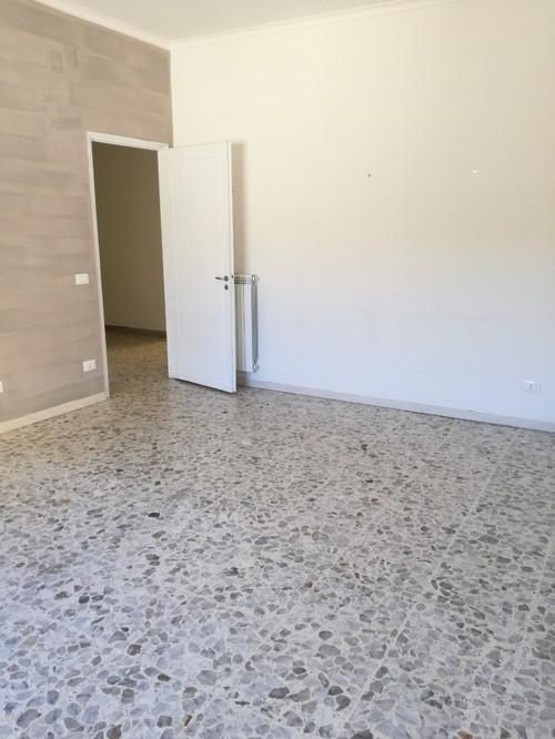 Aiuto pavimento graniglia for Pavimenti in graniglia e arredamento moderno