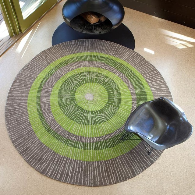 Druella Area Rug, Green And Sable, 8&x27; Round.