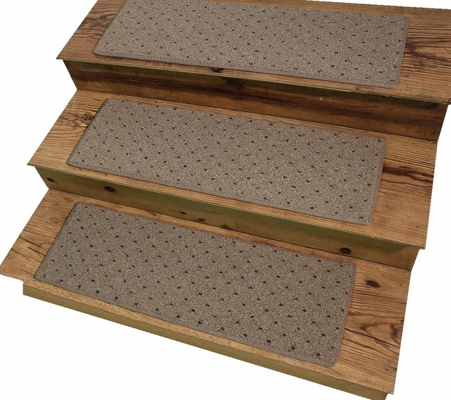 Dog assist carpet stair treads 8 x24 power point oak for Jardin stair treads