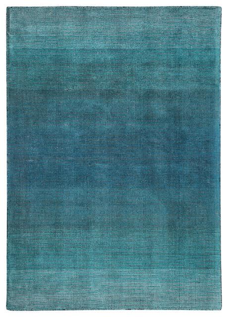 Adley Handwoven Blue Ombre Rug, 8&x27;x10&x27;.