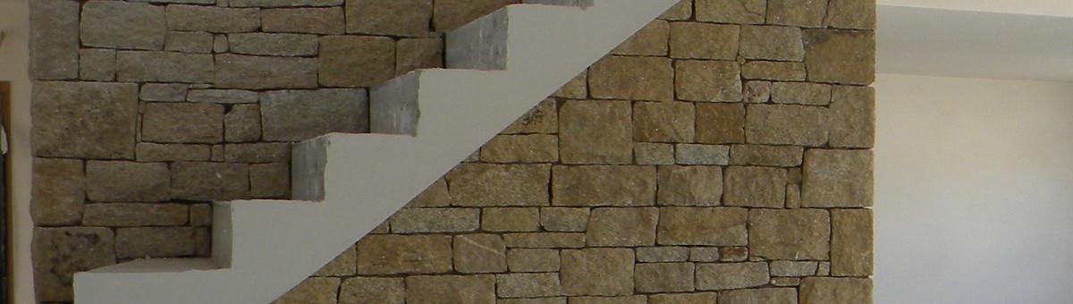 Habillage de chemin e en pierre naturelle - Habillage de mur interieur ...