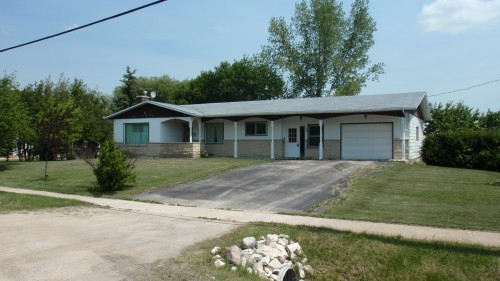 We Recently Purchased This 70 S Ranch Style Bungalow