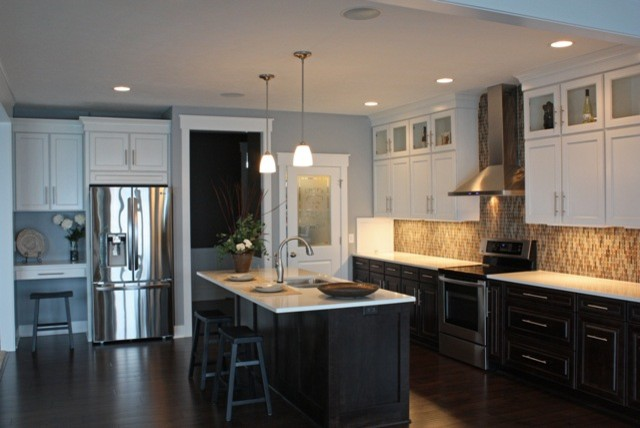 Upper Cabinets Dark Lower Kitchen Ideas Bottom White Top Shaker Uppers Counters
