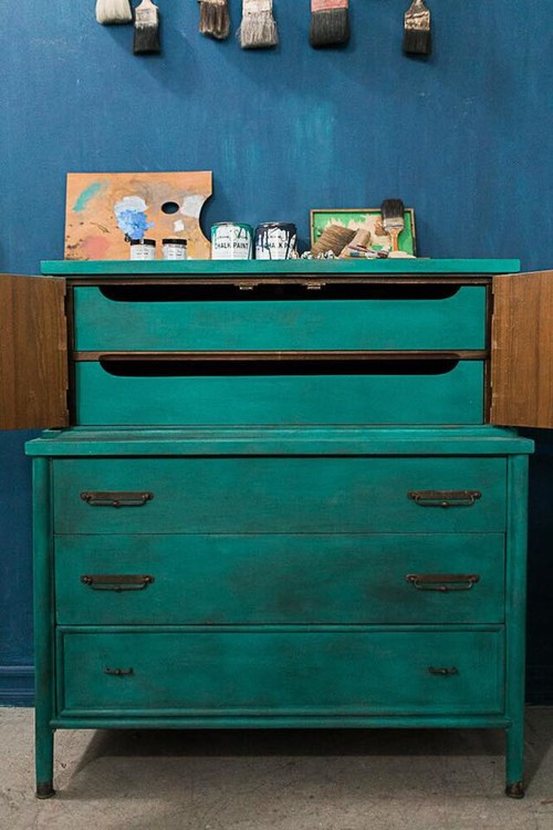 Florence Chalk Paint® by Annie Sloan & Black Chalk Paint® Wax on Dresser