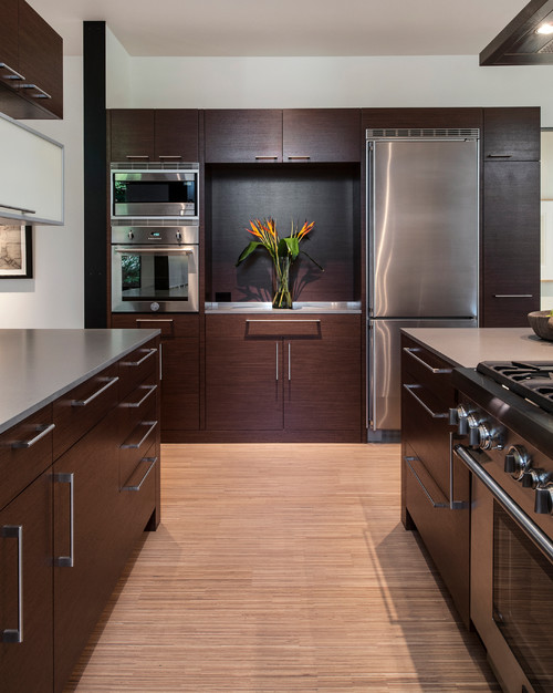 Very Pretty Cabinets! Is This Rift Cut White Oak? Stain Color?