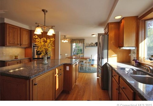 Help Kitchen Wall Paint Color With Oak Cabinets And