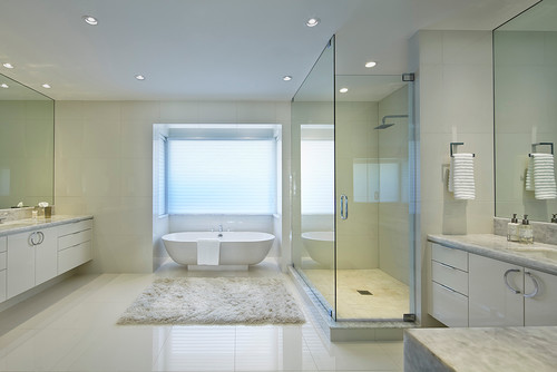 Gorgeous bathroom using Yukon Diamond Quartzite White Porcelain Tile – White Porcelain Tile Bathroom