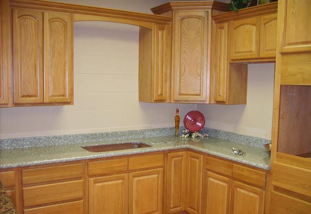Cinnamon Oak Kitchen Cabinets Home Design Traditional