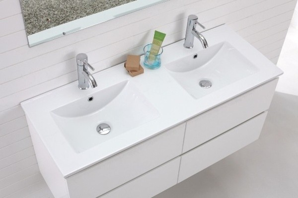 Madero double basin wall hung white vanity modern for Double bathroom sink basin