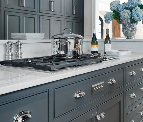 Need reccomendation for kitchen cabinet a blue grey for Grey blue white kitchen