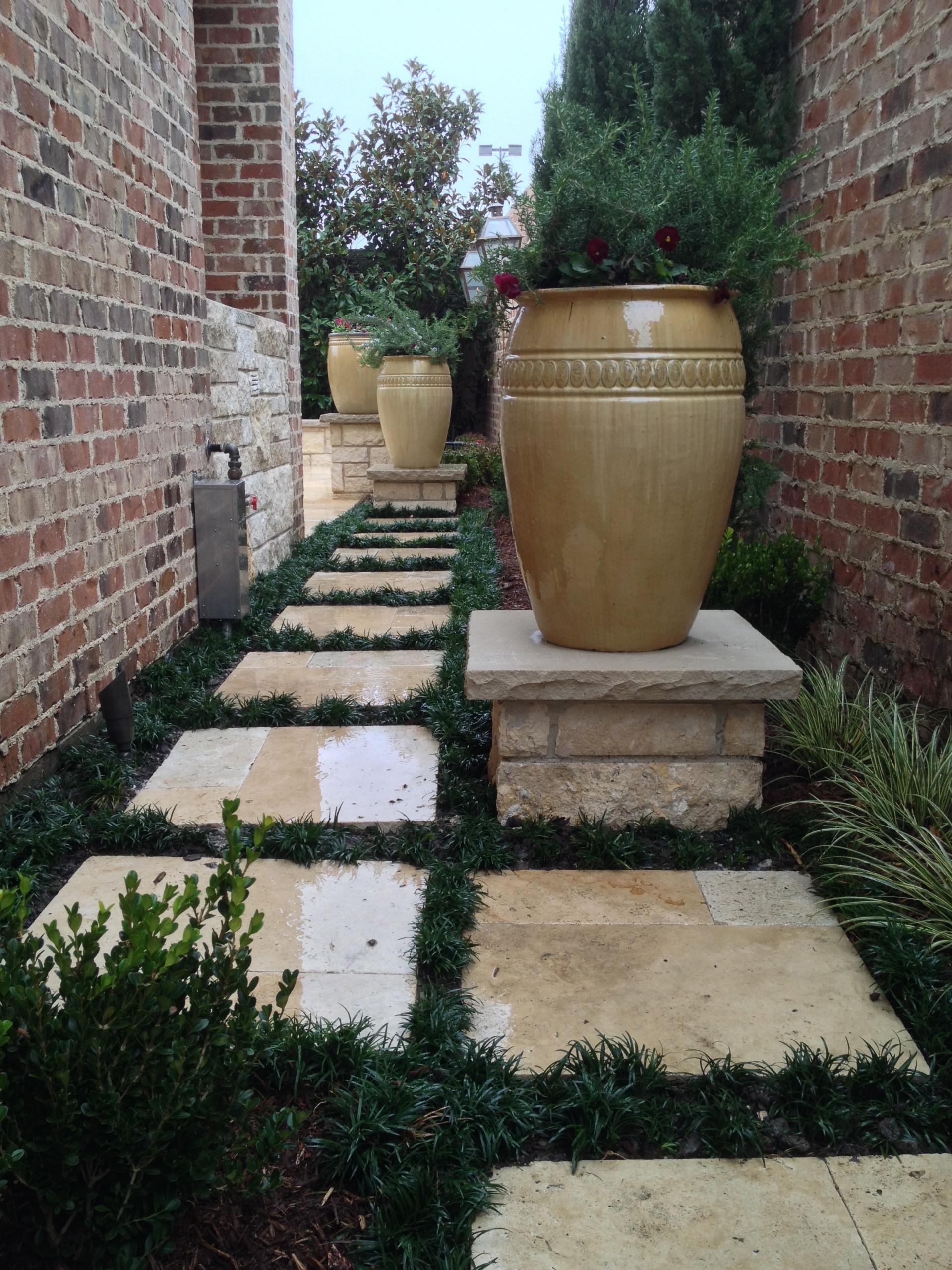 Small Courtyard / Big Impact