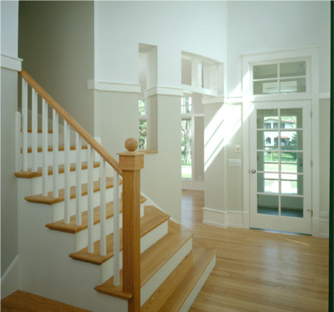 Example of a transitional home design design in Chicago