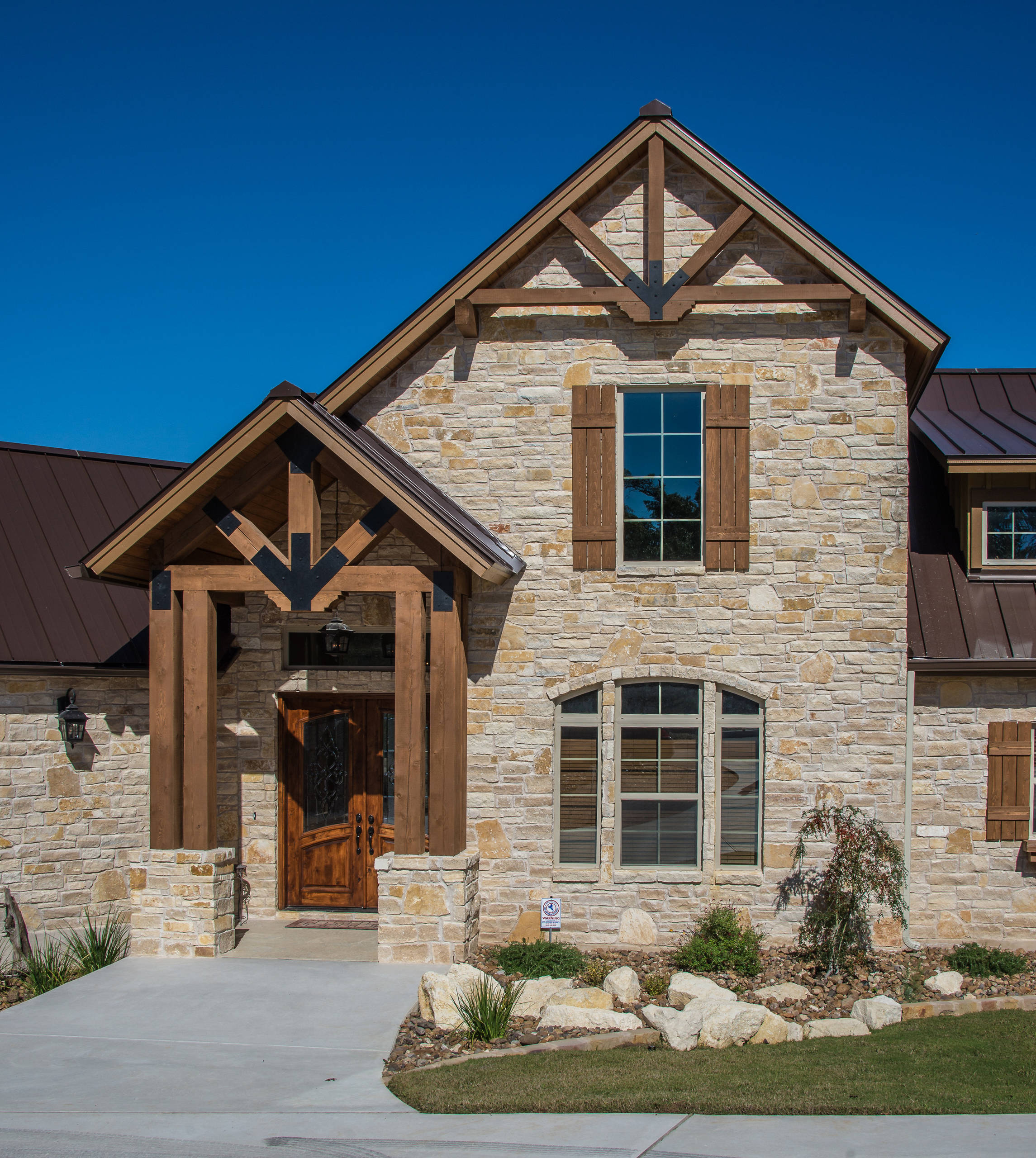 San Antonio Home Creates Rustic Style