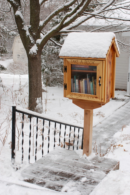 Book It Bring A Mini Library To Your Front Yard