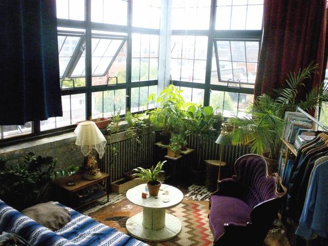 13 One Of A Kind Windowsill Gardens