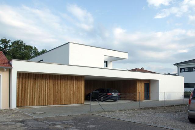 Einfamilienhaus mit einliegerwohnung modern  Einfamilienhaus mit Einliegerwohnung
