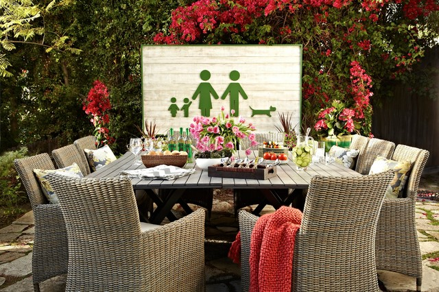 Family-Style Outdoor Dining Room