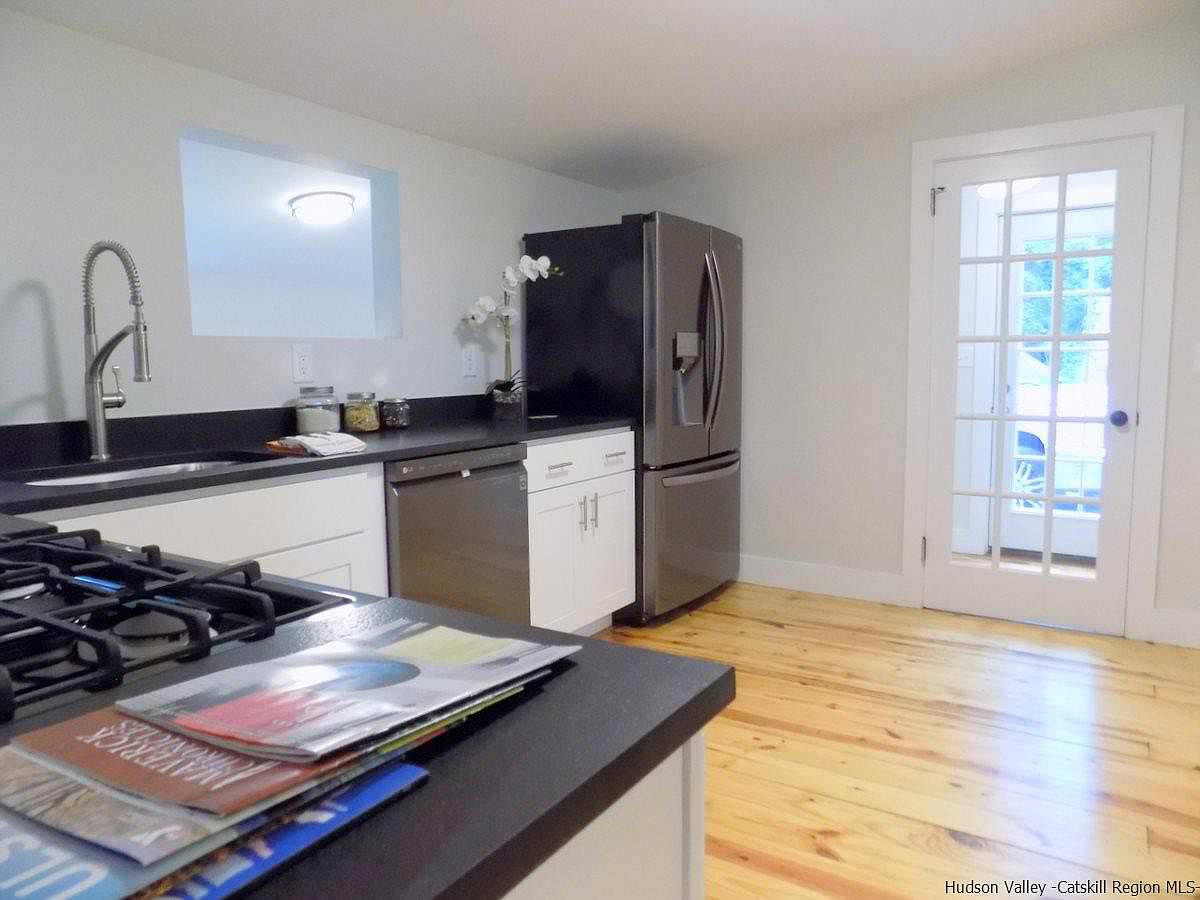 Kingston 19 Vacant Staging