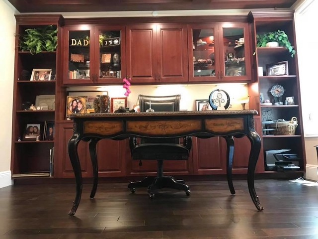 Home office - traditional home office idea in Orange County
