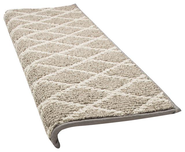 Jardin Bullnose Carpet Stair Tread With Adhesive Padding