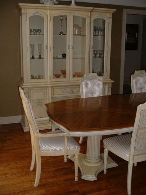 used stanley dining room set value?
