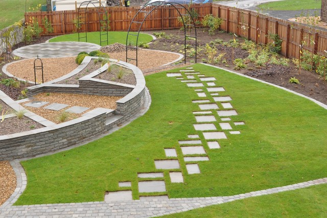 Stone Path In Grass Of Sandstone Stepping Stone Path Set Into Grass