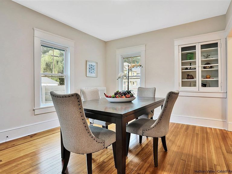 Uptown Kingston 7 Vacant Staging