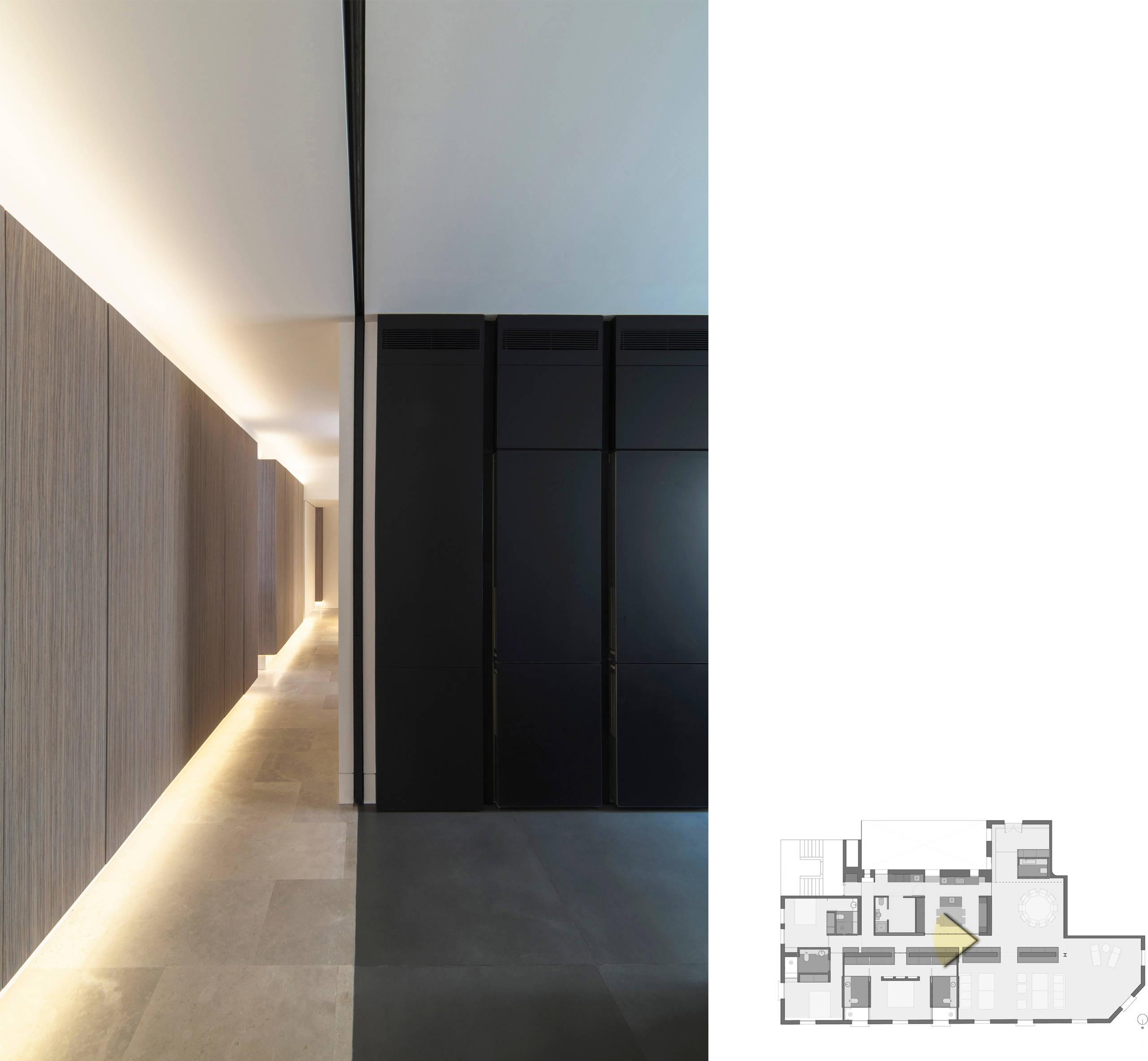 Separación de los espacios de paso y cocina.