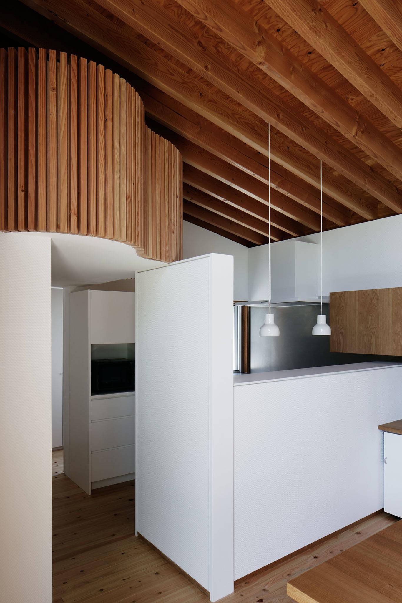 コの字の家/キッチン