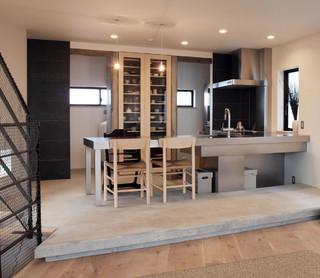 リビング階段の家 モダン-キッチン