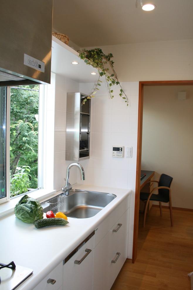 東京23区のモダンスタイルのキッチンの画像