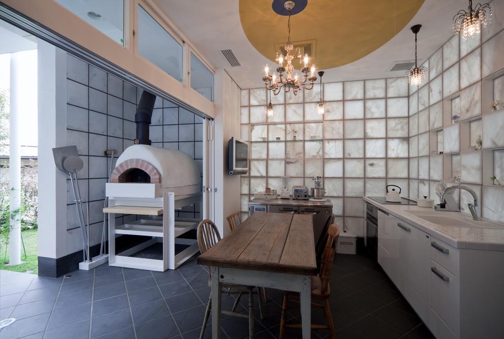 東京都下の小さいエクレクティックスタイルのキッチンの画像