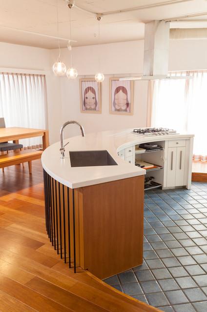 """W邸-124平米の広さをいかした巨大""""ワンルーム"""" コンテンポラリー-キッチン"""