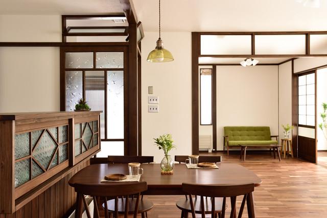 茶箪笥のあるキッチン・ダイニング 和室和風-ダイニング