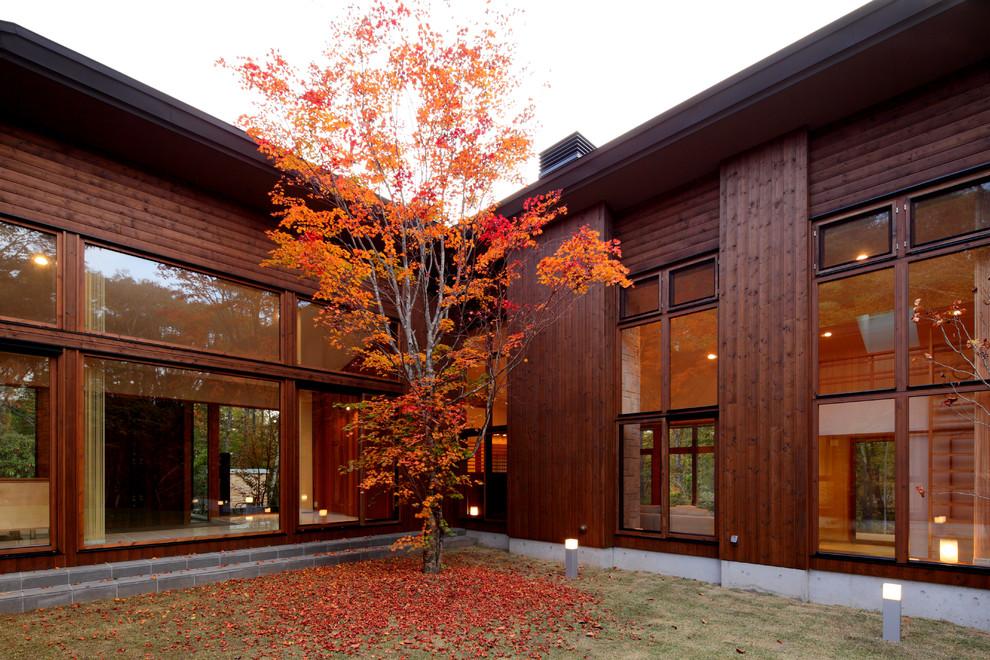 鶴溜の家 中庭