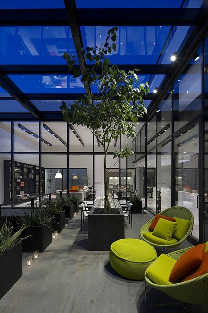 Inspiration for a modern patio remodel in Tokyo