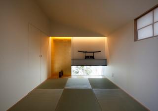 木漏れ日のプールサイドハウス - Modern - Home Office - other metro - by 近藤晃弘建築都市設計事務所/Akihiro Kondo architecture
