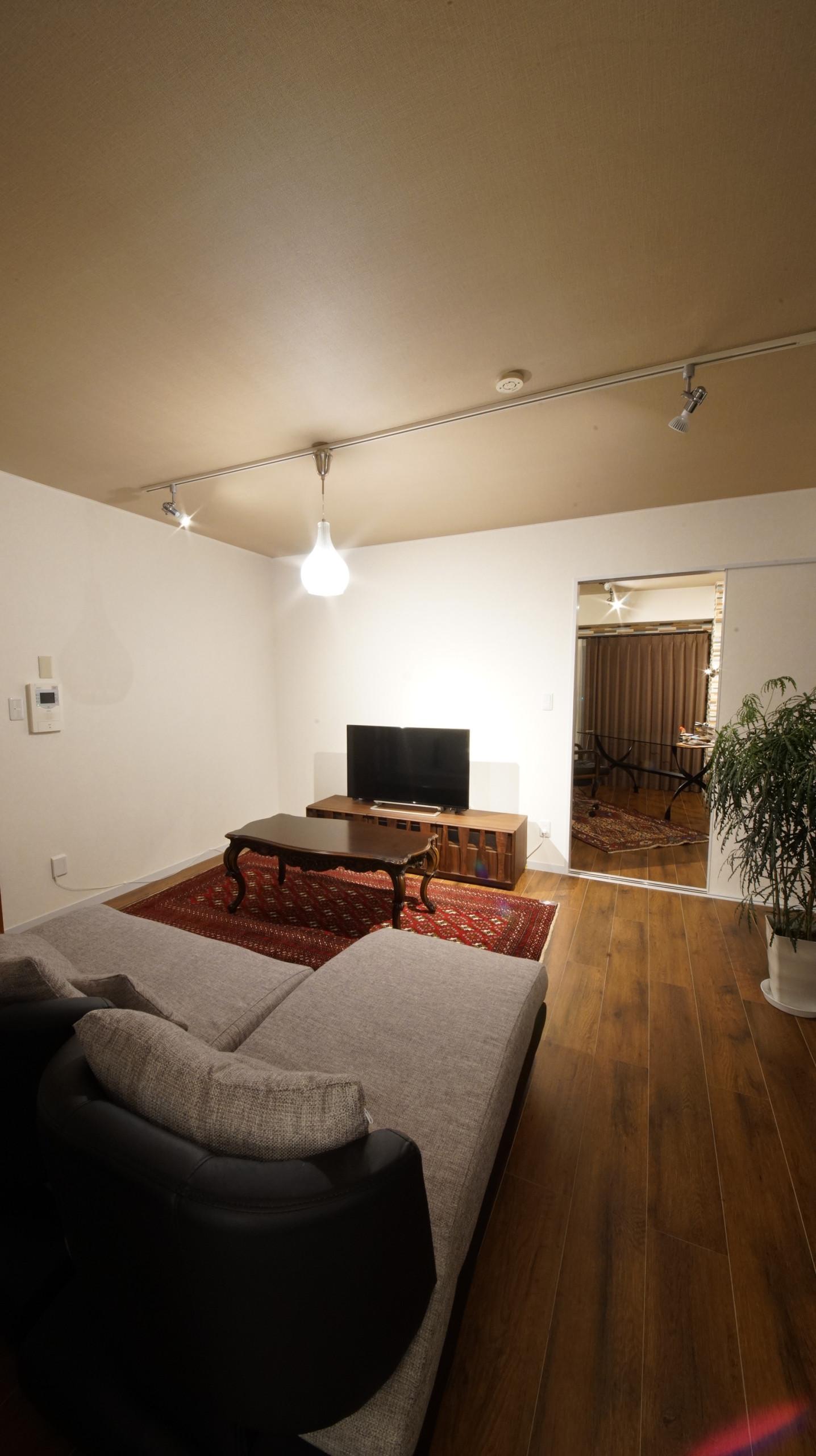 アンティーク?(笑)築30年のマンションもリノベすれば、最高の住まいに!